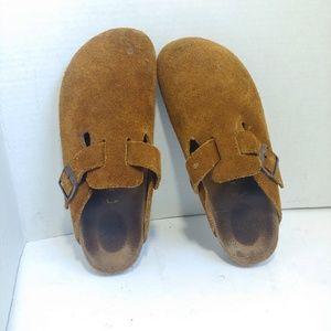 Birkenstock covered toe leather sandals